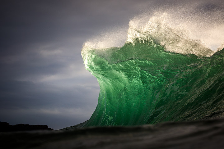 Vlny – Kryptonit (© Warren Keelan)